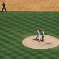 Hamels and Ruiz conference on the mound